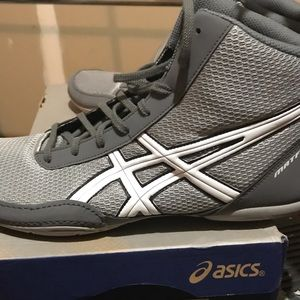 Brand new wrestling shoes
